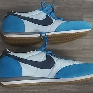 Blue nike cortez great condition size 9